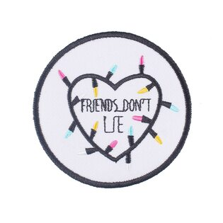 Нашивка Friends don't lie 7,5 см.