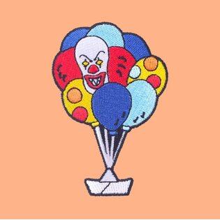Нашивка Пеннивайз в шариках 8 см.