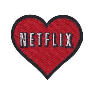 Нашивка Сердце Netflix 7 см.