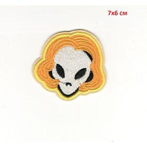Нашивка Голова Инопланетянина в парике 6 см.