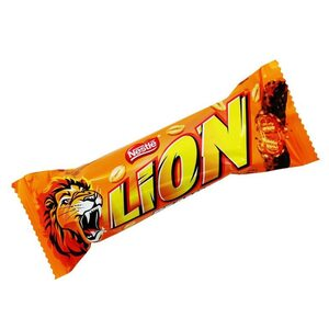 Батончик Nestle LION Арахис 42 гр.